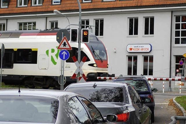 SPD-Ortsverein bringt die Schließung der Bahnübergänge ins Spiel