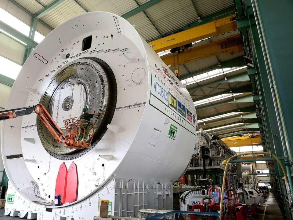 Der Fildertunnelbohrer wird derzeit demontiert und zum Kehler Hafen geschafft.   | Foto: Christoph Breithaupt