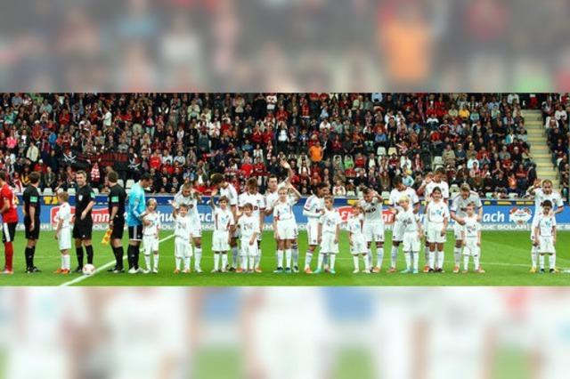 Windens Fußballnachwuchs winkte ganz locker den 22 000 Fans zu