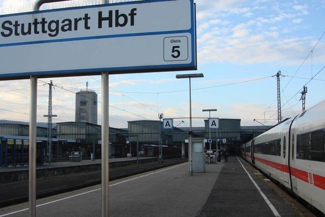 Weiche im Hauptbahnhof Stuttgart lässt erneut Zug entgleisen