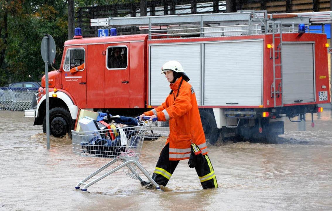 Überschwemmung im Real-Nord.  | Foto: Patrick Seeger
