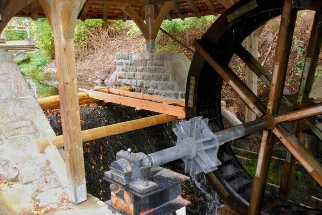 Das Wasserrad am Kurhaus dreht sich