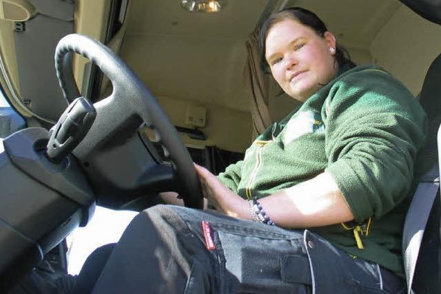 Ausbildungsberuf Berufskraftfahrerin: Linda Marholz ist mit Freude am Fahren auf Achse