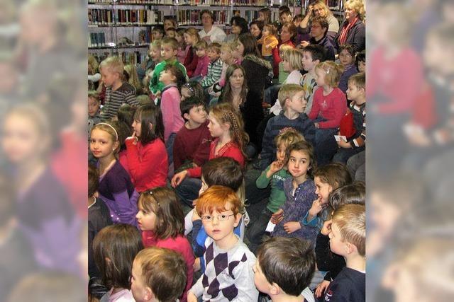 Kinder an die Bühne lotsen