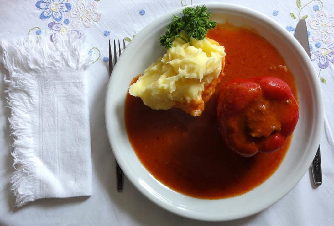 Gefüllte Paprika auf kroatisch mit einer österreichisch beeinflussten Beilage   | Foto: Esther Krais-Gutmann