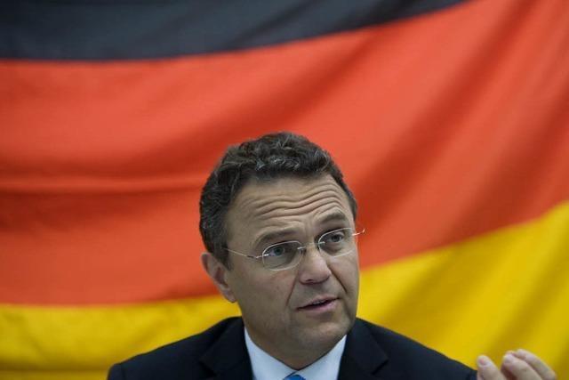 Innenminister Friedrich: Weniger Geld für Asylbewerber vom Balkan