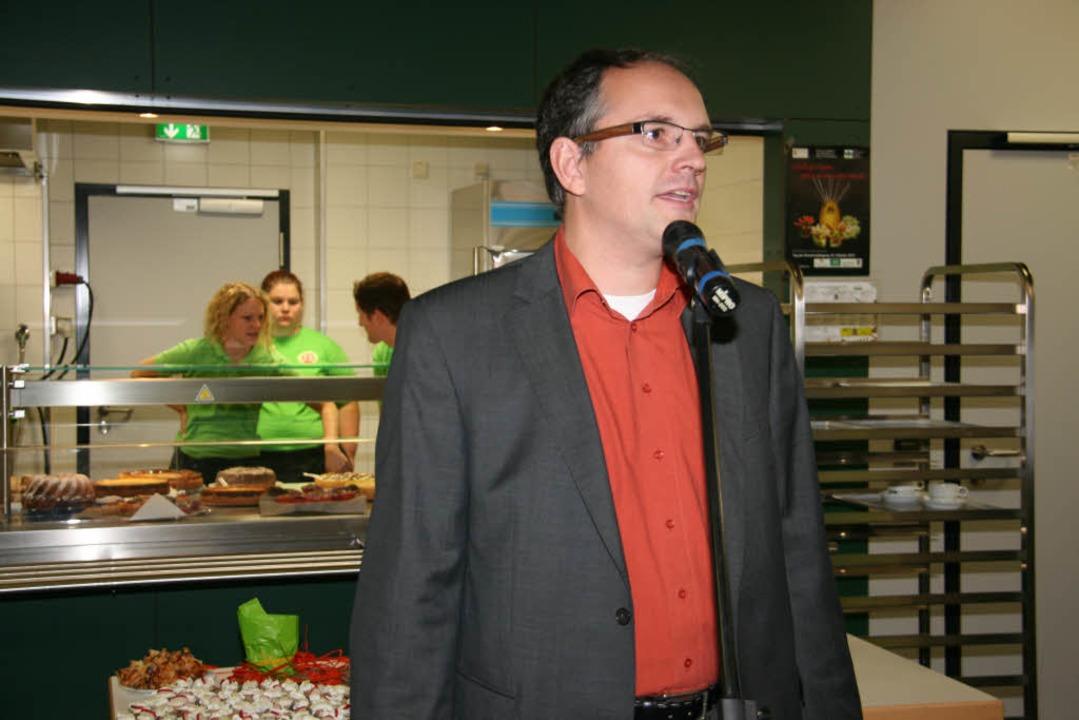 Mitorganisator Detlef A. Knöller bei der offiziellen Eröffnung.  | Foto: Gerda Oswald
