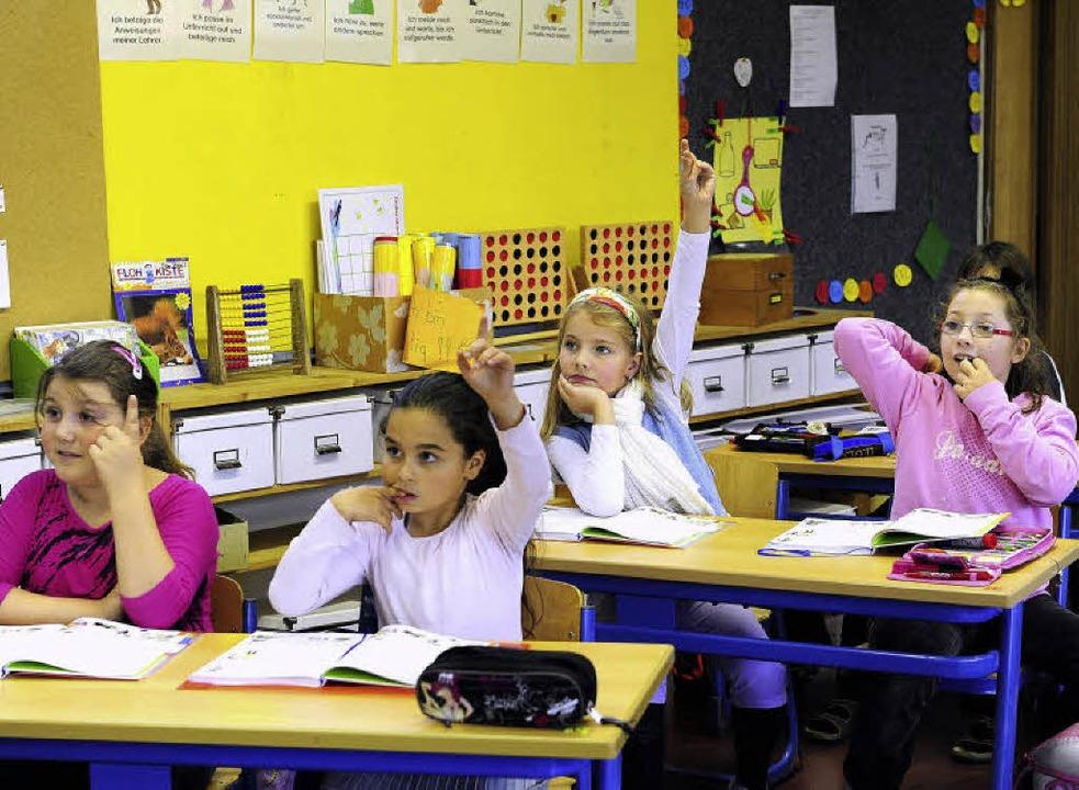 Aufgeweckt: die Mädchen in der 3b.  | Foto: Ingo Schneider