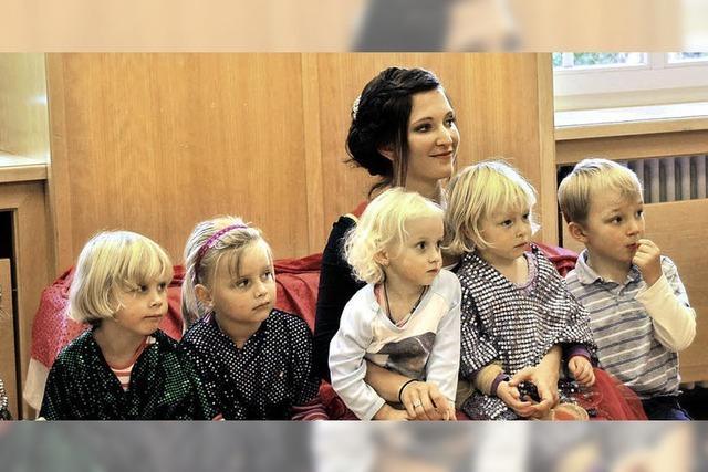 Hoheitlicher Besuch im Seelbacher Kindergarten