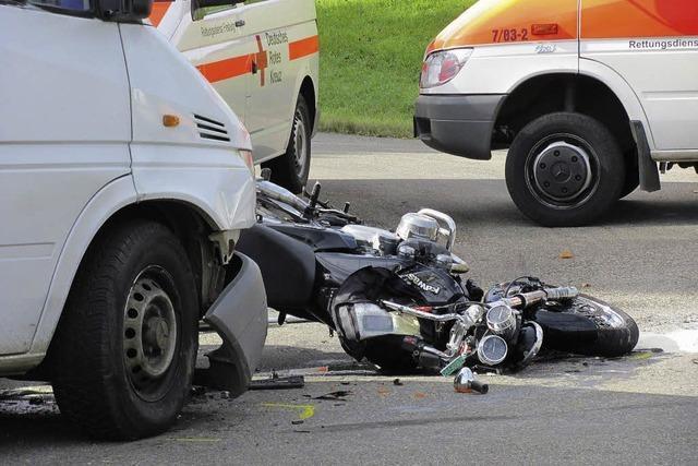 Motorradfahrer in Lebensgefahr