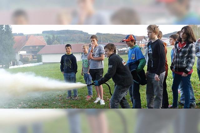 Schüler und Lehrer für Ernstall gewappnet