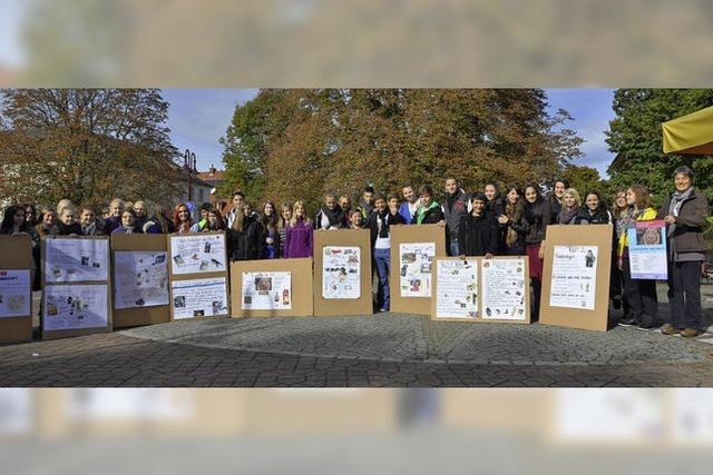 Schüler zeigen Wege in die Armut auf