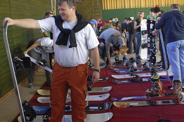 Wintersportler kommen beim Basar auf ihre Kosten