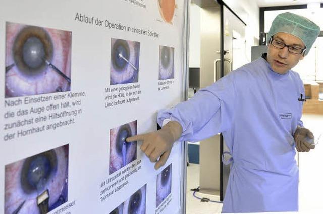 Sehtag an der Uni-Augenklinik zeigt, wie eine Operation abläuft