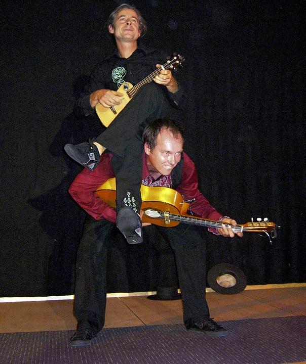 Ob das die richtige Haltung für Gitarr...assische Position ist es aber allemal.  | Foto: Anna Freyer