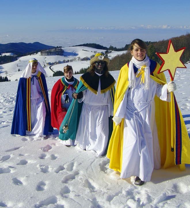 Auch das gehört zu Münstertal: Sternsi...rschneiten Winterlandschaft unterwegs.  | Foto: Wolfgang Eckerle