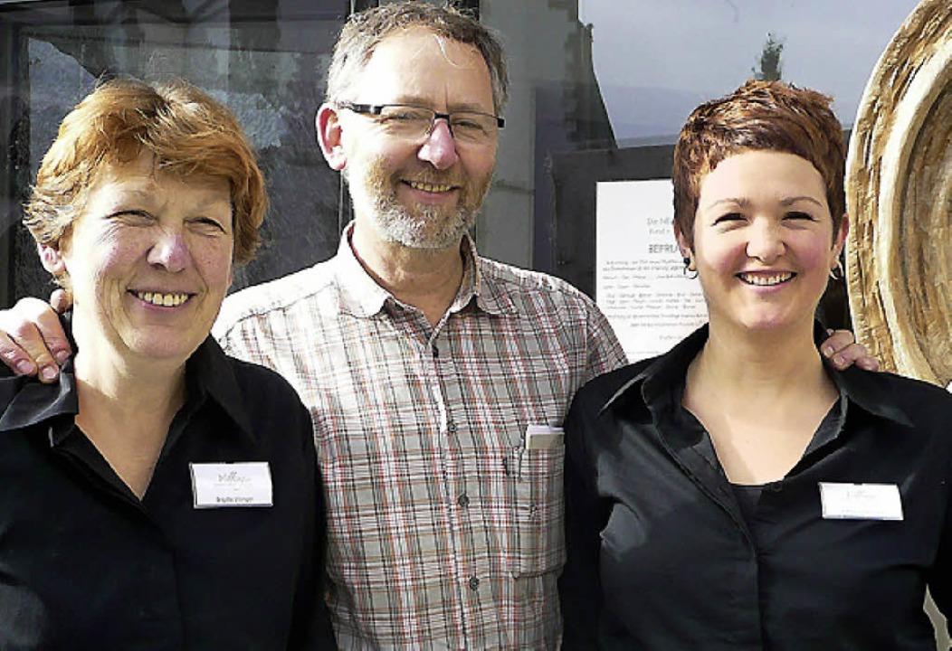 Die Generationen drei und vier: Brigitte, Jürgen und Katharina Villinger   | Foto: Peter Stellmach