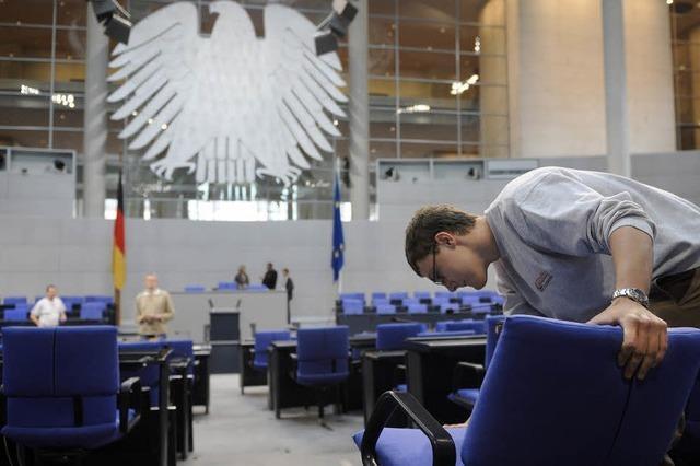 Mehr Stühle im Parlament