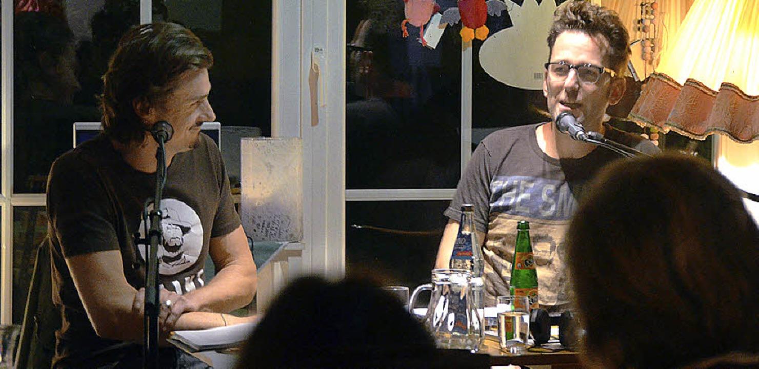 Marc Hofmann und Klaus Biehler im Endinger Winzerhof Linder  | Foto: Daniel Mandel