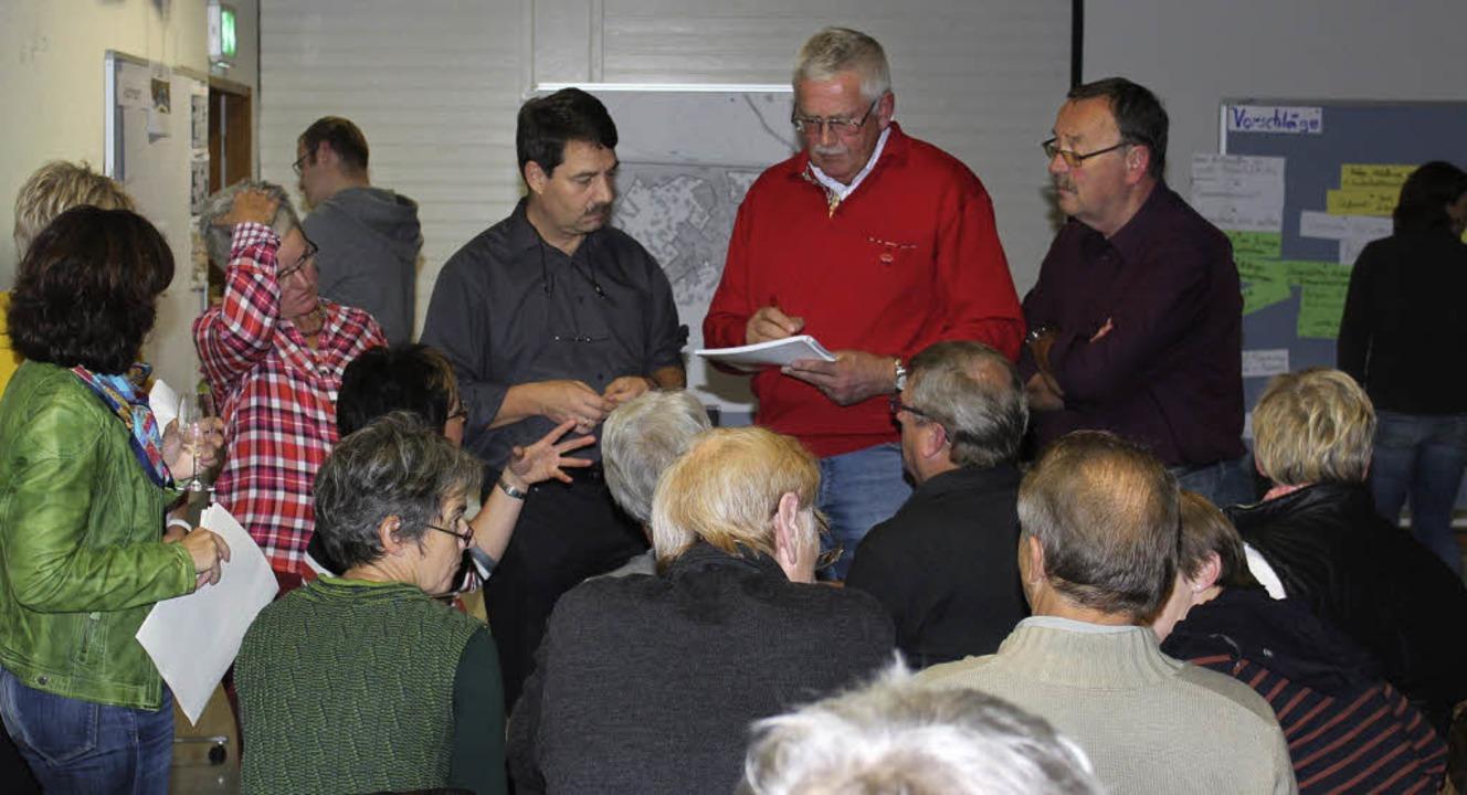 Bei der  Vorstellung der Ergebnisse de...d über die nächsten Schritte beraten.   | Foto: mario schöneberg