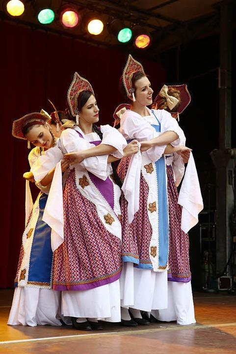Auch die Kostüme gefielen beim Auftritt der Balletteusen.  | Foto: ycb