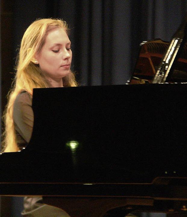 Die russische Pianistin Maria Lelchuk ...rem Auftritt im Kurhaus Bad Krozingen.  | Foto: Hans Jürgen Kugler