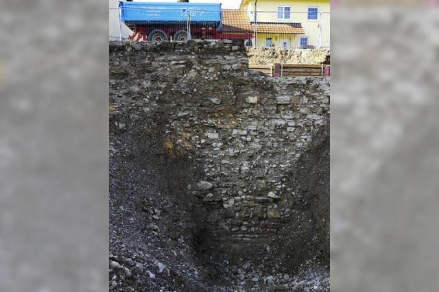 Hohe Mauer, breiter Graben
