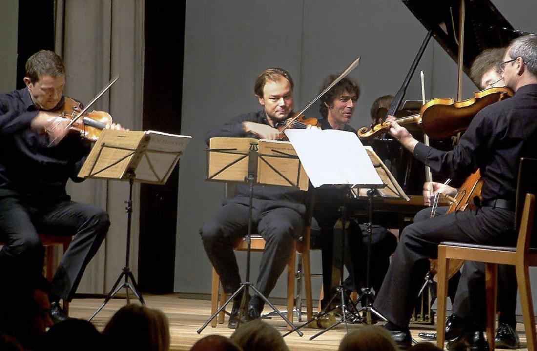 Das Leipziger Streichquartett und der Pianist Bernd Glemser   | Foto: r. Frey