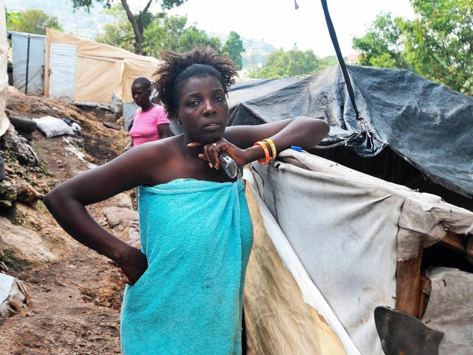 Nach dem Hurrikan: Eine haitianische F... von Port-au-Prince Zuflucht gefunden.  | Foto: AFP