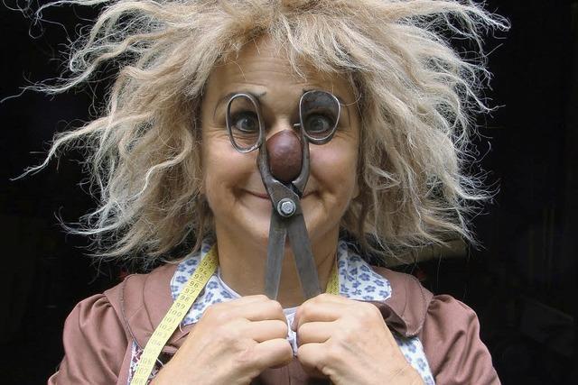 Clownin Gardi Hutter spielt