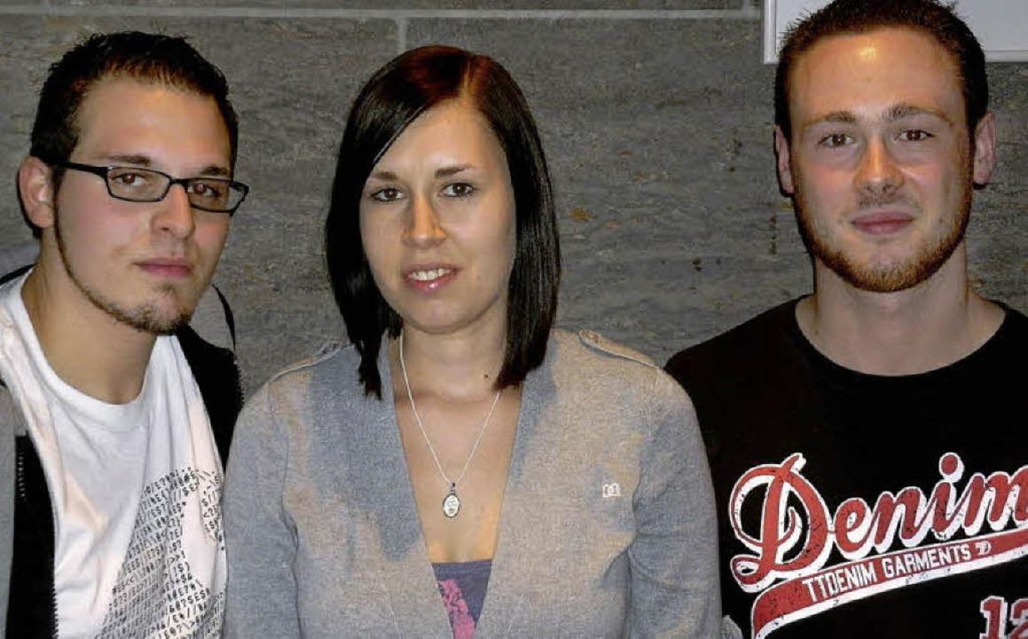 Das Trio, das den Juso-Kreisvorstand r...uisa Boos und Fabian Rink (von links).  | Foto: Privat