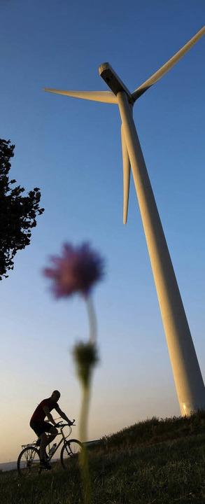 Ohne mehr Windkraft ist die Energiewen...h  in Gundelfingen nicht zu schaffen.   | Foto: dpa