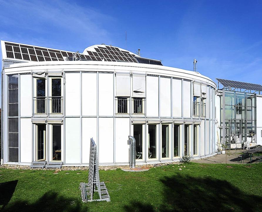 Bei Dauernebel zum Duschen ins Hallenb...stes Solarhaus wird zwanzig Jahre alt   | Foto: Thomas Kunz