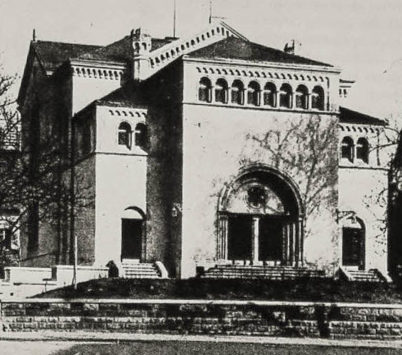 Die Synagoge vor und nach dem Brand.  | Foto:  privat