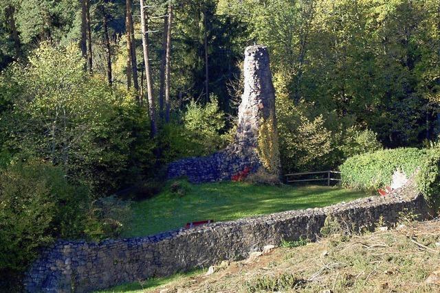 Reste der Burgruine Urach fest im Blick