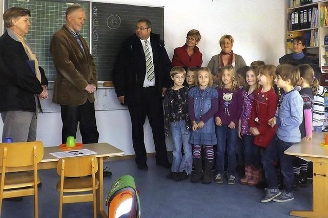 Grundschüler feiern ihren neuen Raum
