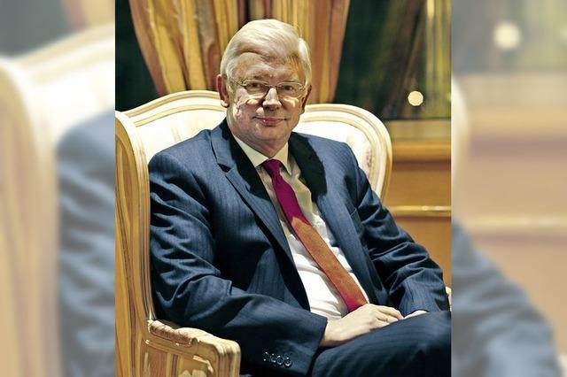 Roland Koch: Die Erwartungen der Politiker sind zu hoch