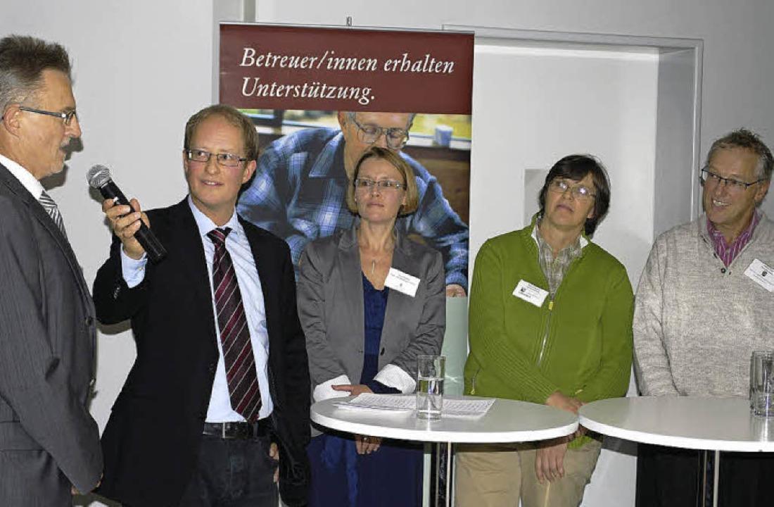 Rundgespräch: Wolfram Lorenz, Matthias...ie rechtliche Betreuung funktioniert.   | Foto: Thomas Loisl Mink