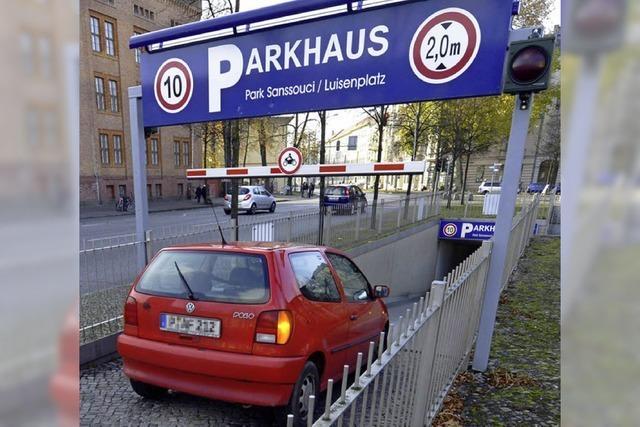 ADAC testet bundesweit 40 Parkhäuser