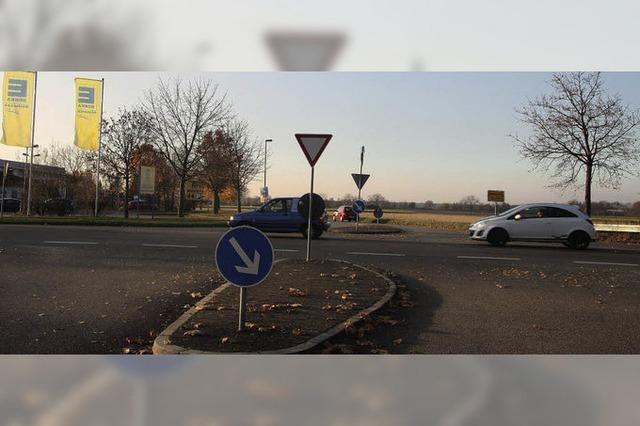 Kreisverkehr am nördlichen Eingang