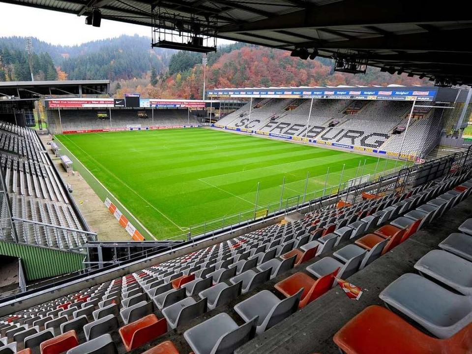 Das Mage-Solar-Stadion steht an seinem... es eine Mehrheit für eine neue Arena.  | Foto: Ingo Schneider