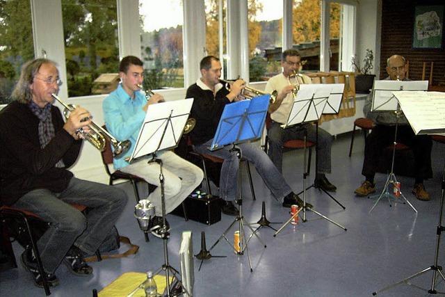 Musiker bereiten sich auf Jahreskonzert vor
