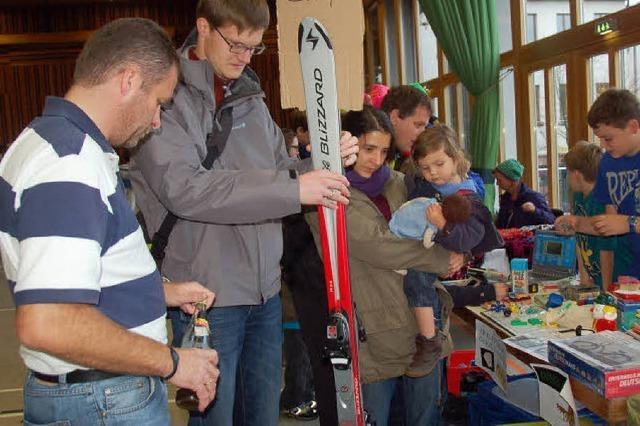Besucherandrang beim Brettlemarkt