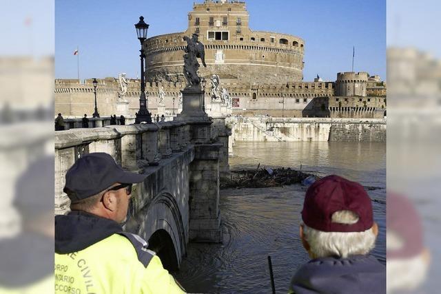 Teile Roms stehen unter Wasser