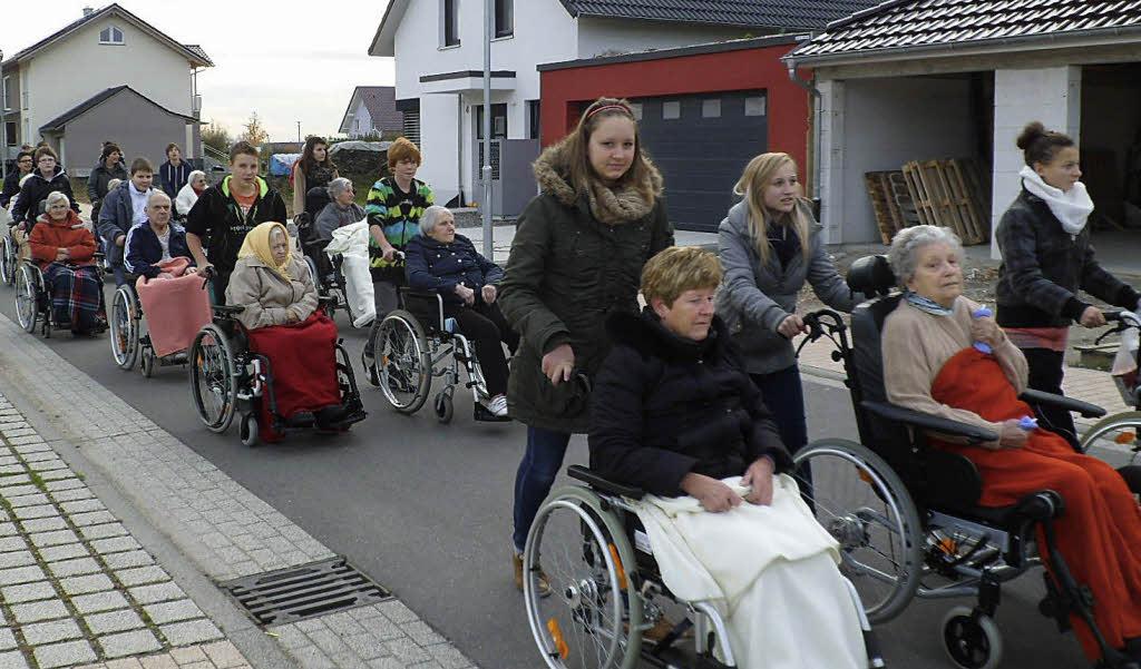 Alten Menschen Helfen Geld Verdienen