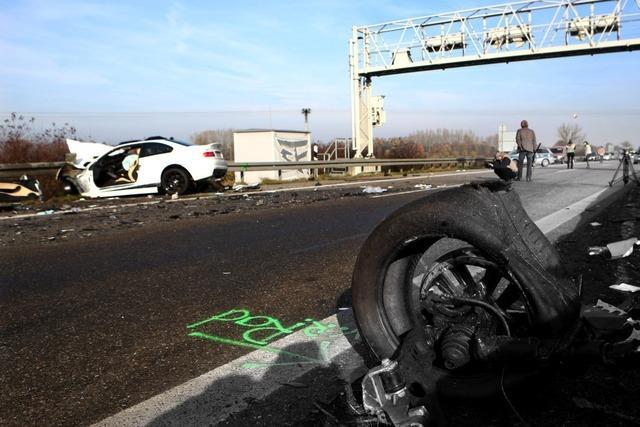 20-jähriger Geisterfahrer verursacht Unfall mit sechs Toten auf der A5 bei Offenburg