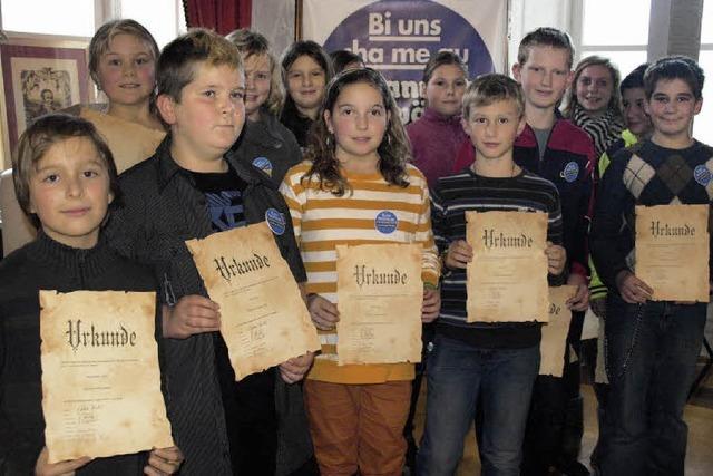 Schüler aus der Region lesen Mundart