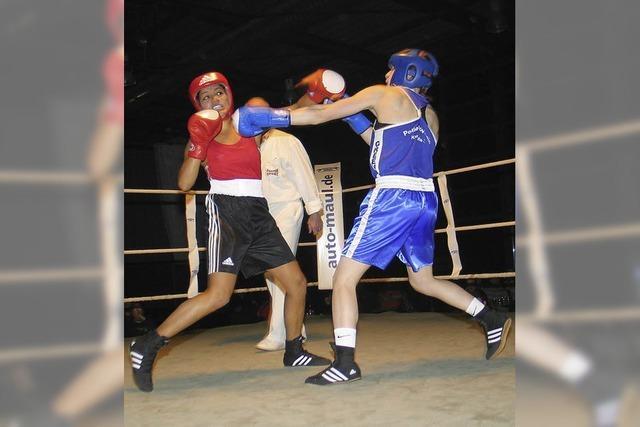 Nachwuchsboxer liefern sich spannende Kämpfe