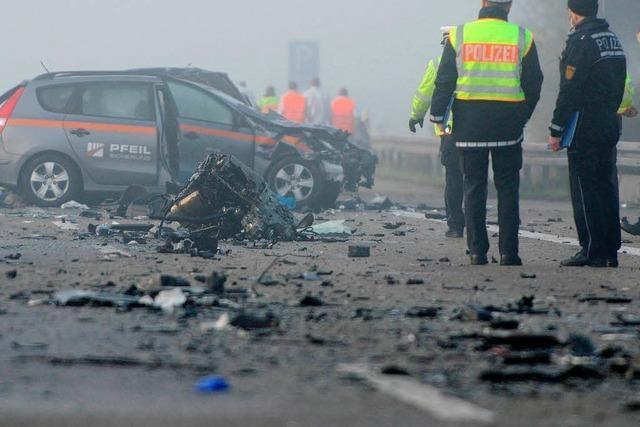Unfall mit sechs Toten auf der A5: Geisterfahrer hinterlässt keinen Abschiedsbrief - Ursachensuche geht weiter