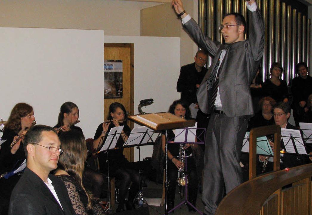 Dominic Cerrito dirigierte das erste K...ten Thomas Rieger und Swetlana Balzer.  | Foto: michael gottstein